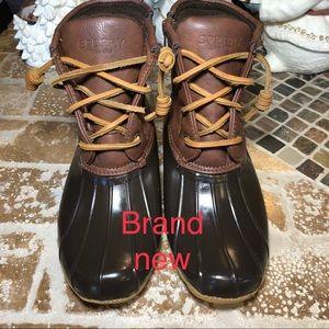 Speedy duck boots size 3
